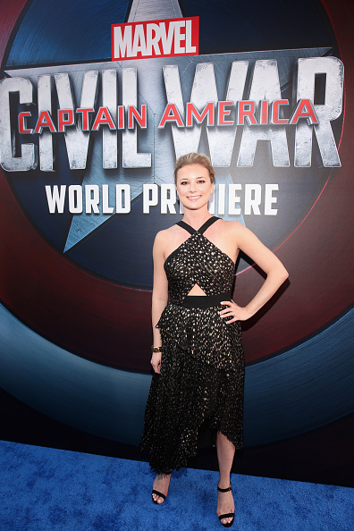 "Emily VanCamp「The World Premiere Of Marvel's ""Captain America: Civil War"" - Red Carpet」:写真・画像(13)[壁紙.com]"