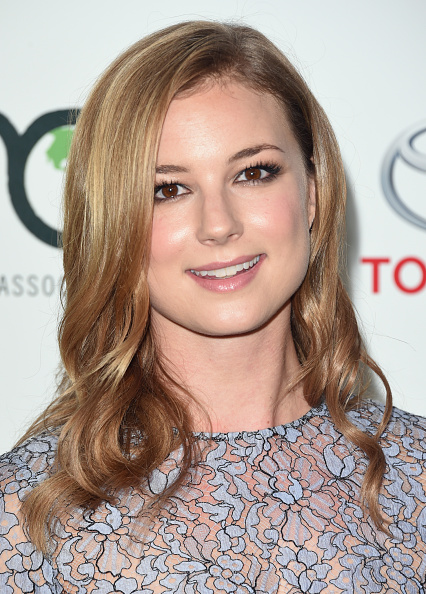 Emily VanCamp「24th Annual Environmental Media Awards Presented By Toyota And Lexus - Arrivals」:写真・画像(17)[壁紙.com]