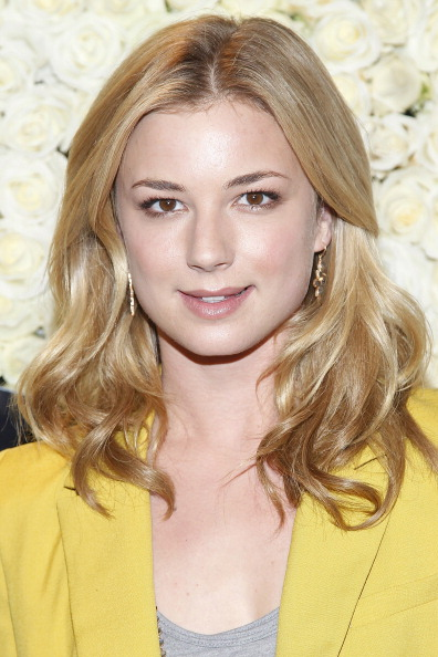 """Emily VanCamp「QVC Presents """"The Buzz On The Red Carpet"""" Cocktail Party」:写真・画像(18)[壁紙.com]"""