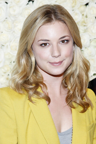 """Emily VanCamp「QVC Presents """"The Buzz On The Red Carpet"""" Cocktail Party」:写真・画像(17)[壁紙.com]"""