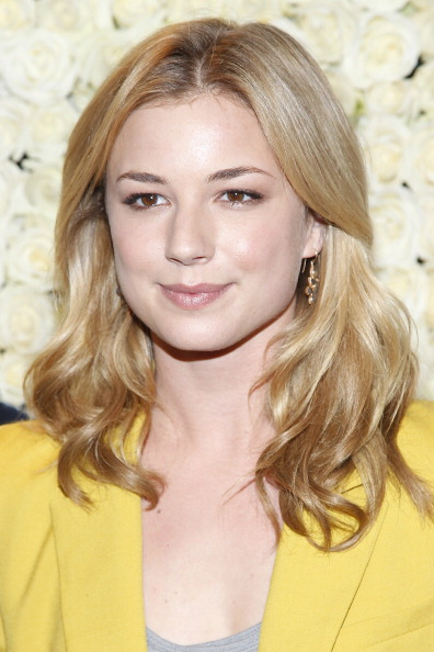 """Emily VanCamp「QVC Presents """"The Buzz On The Red Carpet"""" Cocktail Party」:写真・画像(19)[壁紙.com]"""