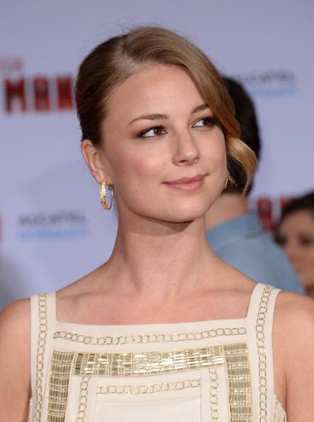 "Emily VanCamp「Premiere Of Walt Disney Pictures' ""Iron Man 3"" - Arrivals」:写真・画像(4)[壁紙.com]"