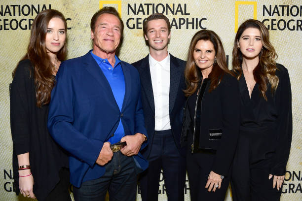"Arnold Schwarzenegger「Premiere Of National Geographic's ""The Long Road Home"" - Red Carpet」:写真・画像(7)[壁紙.com]"