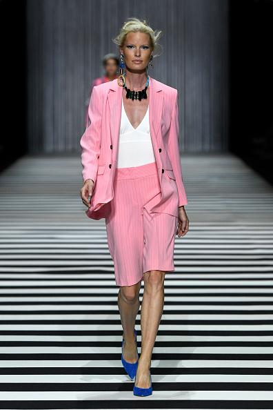Striped Shorts「Marc Cain Fashion Show Berlin Fashion Week Spring/Summer 2020」:写真・画像(9)[壁紙.com]