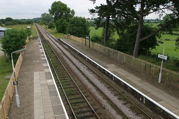 Finance and Economy「View of Danzey station」:写真・画像(8)[壁紙.com]