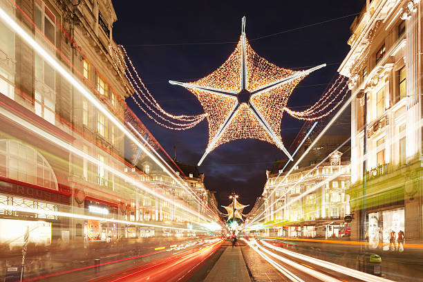 Christmas decorations in Oxford Street; London:スマホ壁紙(壁紙.com)