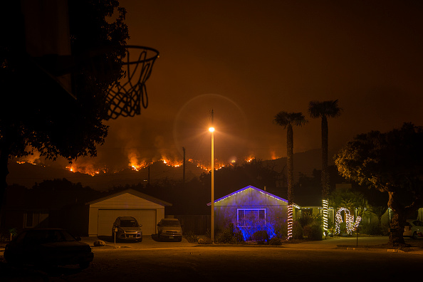 California「Southern California Wildfires Forces Thousands to Evacuate」:写真・画像(15)[壁紙.com]