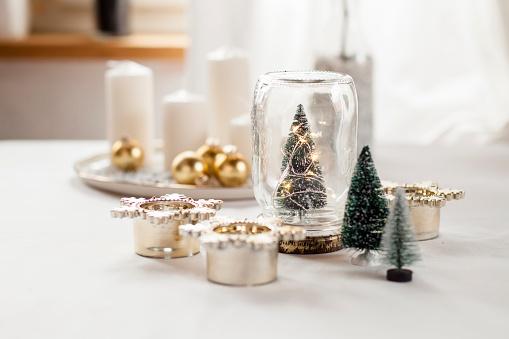 Christmas Decoration「Christmas decoration on table」:スマホ壁紙(7)
