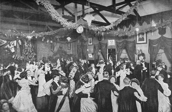 1900-1909「A Christmas dance at the German Gymnasium, London, c1902 (1903)」:写真・画像(16)[壁紙.com]