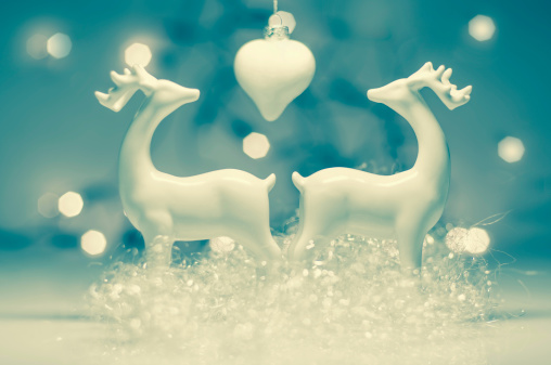 Figurine「Christmas decoration with deer, close up」:スマホ壁紙(15)