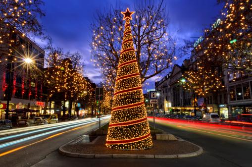 Boulevard「Christmas decoration on main boulevard」:スマホ壁紙(2)