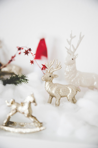 Figurine「Christmas decoration with stags」:スマホ壁紙(17)