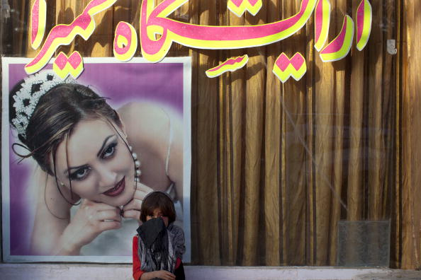 Kabul「AFG:From The Afghan Beauty Parlor To Wedding」:写真・画像(17)[壁紙.com]