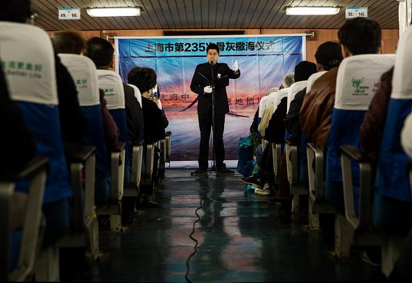 Passenger Craft「Chinese Encouraged To Bury Deceased At Sea」:写真・画像(1)[壁紙.com]