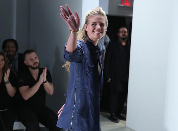 Three Quarter Length「Georgine - Front Row - Fall 2016 New York Fashion Week: The Shows」:写真・画像(18)[壁紙.com]