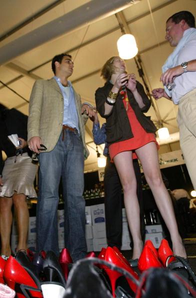 Manolo Blahnik - Designer Label「Zac Posen Spring 2005 - Backstage」:写真・画像(8)[壁紙.com]