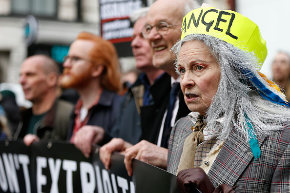 Hollie Adams「'Don't Extradite Assange' Protest Held In London Ahead Of Court Proceedings」:写真・画像(14)[壁紙.com]