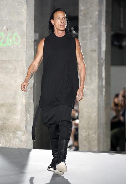 Gratitude「Rick Owens : Runway - Paris Fashion Week - Menswear Spring/Summer 2017」:写真・画像(3)[壁紙.com]