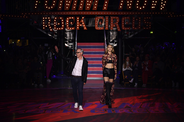 ロンドンファッションウィーク「Tommy Hilfiger TOMMYNOW Fall 2017 - Runway」:写真・画像(8)[壁紙.com]