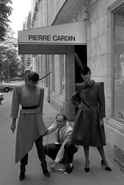 モノクロ「Pierre Cardin」:写真・画像(18)[壁紙.com]