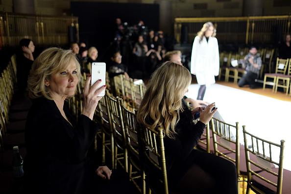 Sherri Hill - Designer Label「Sherri Hill - Backstage - Fall 2016 New York Fashion Week: The Shows」:写真・画像(19)[壁紙.com]