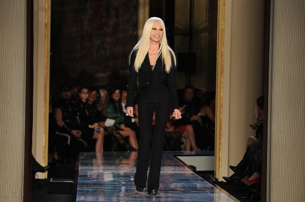Alternative Pose「Atelier Versace : Runway - Paris Fashion Week - Haute Couture S/S 2014」:写真・画像(17)[壁紙.com]