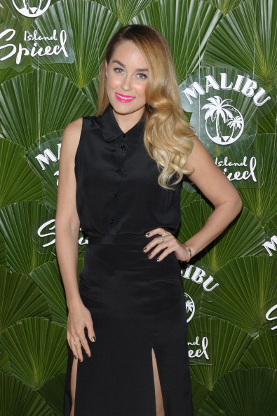 Collar「Lauren Conrad Hosts Beach-Themed Launch Of Malibu Island Spiced By Malibu Rum」:写真・画像(12)[壁紙.com]