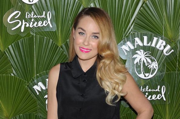 Collar「Lauren Conrad Hosts Beach-Themed Launch Of Malibu Island Spiced By Malibu Rum」:写真・画像(11)[壁紙.com]