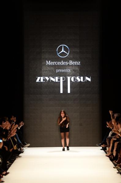 Ian Gavan「Mercedes-Benz Presents Zeynep Tosun - Runway - MBFWI S/S 2014 Presented By American Express」:写真・画像(0)[壁紙.com]