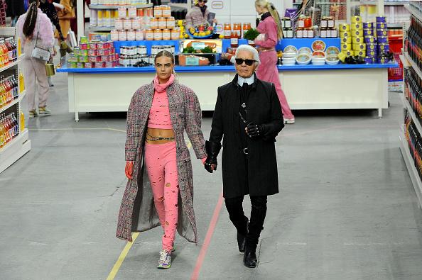 Chanel「Chanel: Runway - Paris Fashion Week Womenswear Fall/Winter 2014-2015」:写真・画像(18)[壁紙.com]