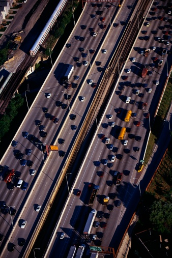 Passenger「This is an aerial view of the Interstate Highway 90/94 during rush hour traffic. It is the morning rush hour during summer.」:スマホ壁紙(18)