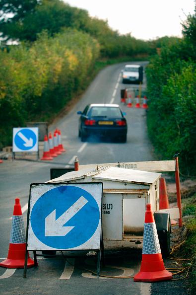 Road Signal「Generator used for roadwork.」:写真・画像(13)[壁紙.com]