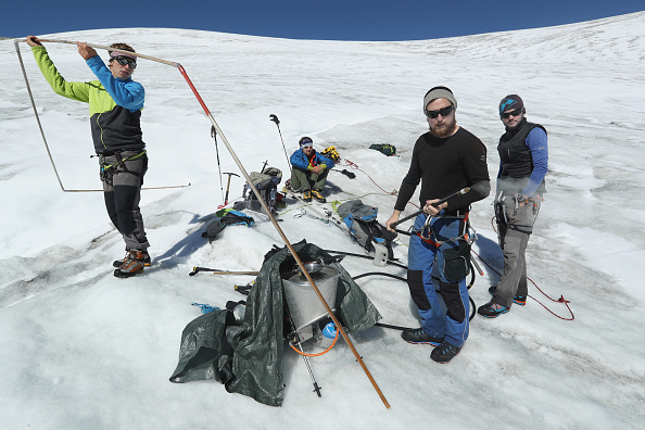 Greenhouse Gas「Europe's Melting Glaciers: Outer Mullwitzkees」:写真・画像(12)[壁紙.com]