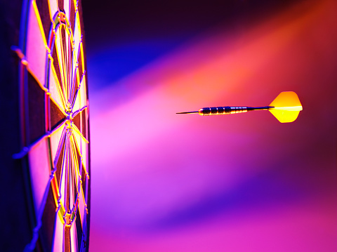 Sports Target「Yellow Dart Pink Lighting on a Dartboard」:スマホ壁紙(9)