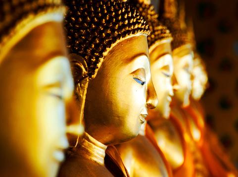 Buddha statue「Buddhas at Wat Arun, Bangkok, Thailand」:スマホ壁紙(2)