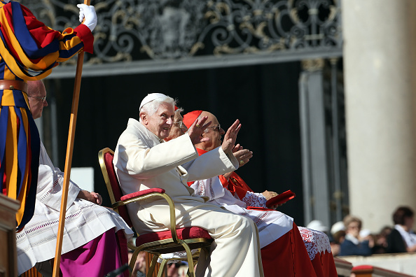 Franco Origlia「Pope Francis Holds A Mass For Grandparents And The Elderly」:写真・画像(2)[壁紙.com]