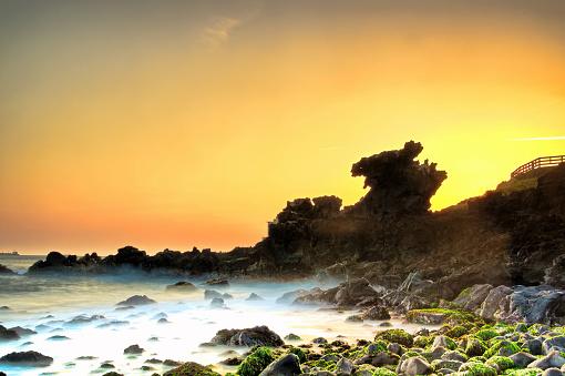 Jeju Island「The dawn of Jeju Yongduam VD702」:スマホ壁紙(2)