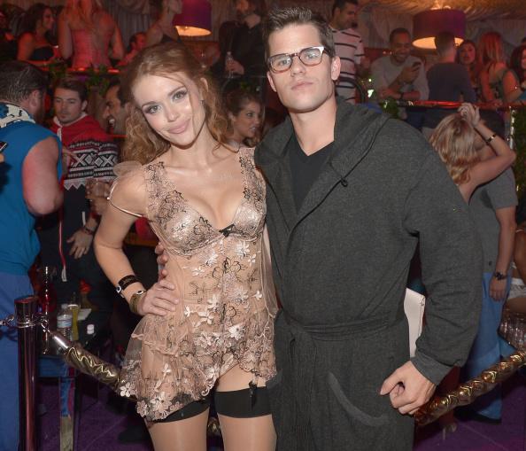 Holland Roden「Hugh Hefner Hosts Annual Midsummer Night's Dream Party At The Playboy Mansion」:写真・画像(2)[壁紙.com]
