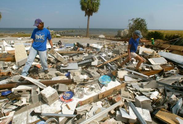 Hurricane Ike「Coastal Texas Faces Heavy Damage After Hurricane Ike」:写真・画像(12)[壁紙.com]
