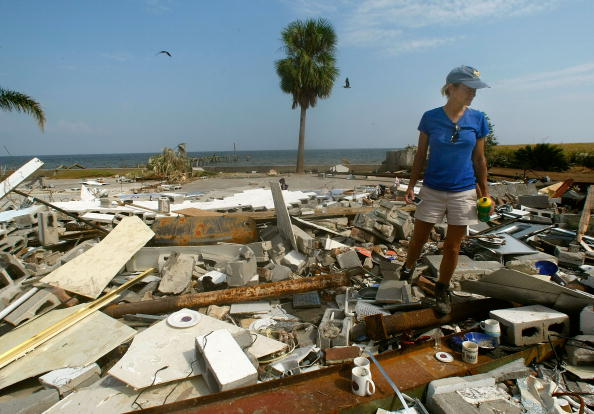 Hurricane Ike「Coastal Texas Faces Heavy Damage After Hurricane Ike」:写真・画像(11)[壁紙.com]