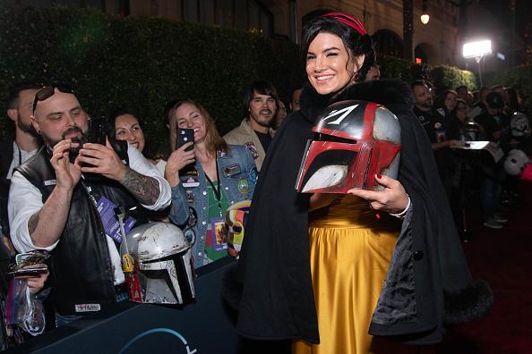 "The Mandalorian - TV Show「Premiere Of Disney+'s ""The Mandalorian"" - Red Carpet」:写真・画像(15)[壁紙.com]"