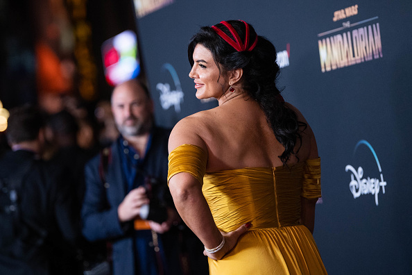 "The Mandalorian - TV Show「Premiere Of Disney+'s ""The Mandalorian"" - Red Carpet」:写真・画像(8)[壁紙.com]"