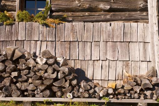 Log「Stack of fire wood, close-up」:スマホ壁紙(7)