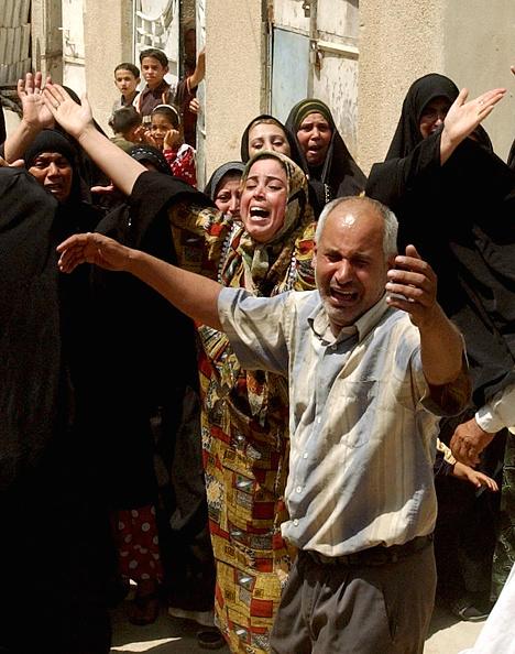 Front View「Funeral Held For Police Officer Killed In Baghdad」:写真・画像(11)[壁紙.com]