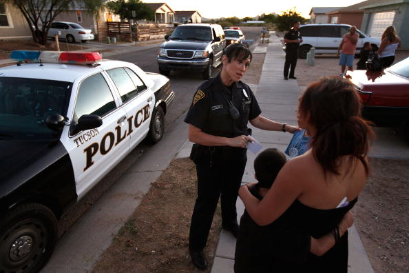 Arizona「Tucson Police Work In The City's Predominately Hispanic South Side」:写真・画像(12)[壁紙.com]
