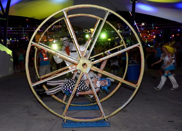 EDC「17th Annual Electric Daisy Carnival - Day 1」:写真・画像(15)[壁紙.com]