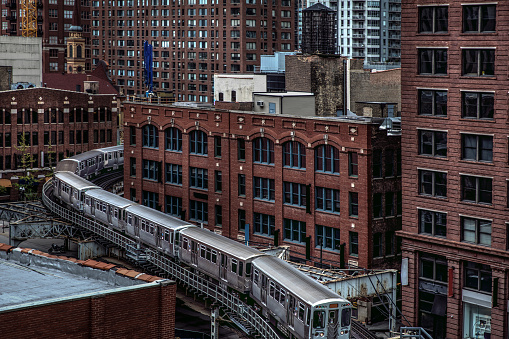 Passenger Train「Subway train in downtown Chicago, IL」:スマホ壁紙(13)