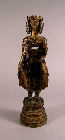 USC Pacific Asia Museum「Standing bronze figure of crowned Buddha with right hand raised in teaching position」:写真・画像(1)[壁紙.com]