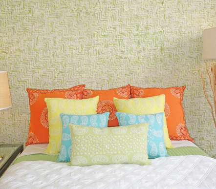 Pillow「Fancy Embroidered Cushions On Bed」:スマホ壁紙(3)