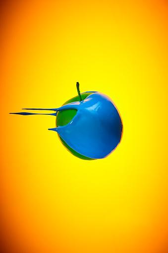 Music Festival「Flying green apple with blue paint」:スマホ壁紙(17)